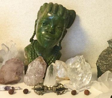 石と話す人