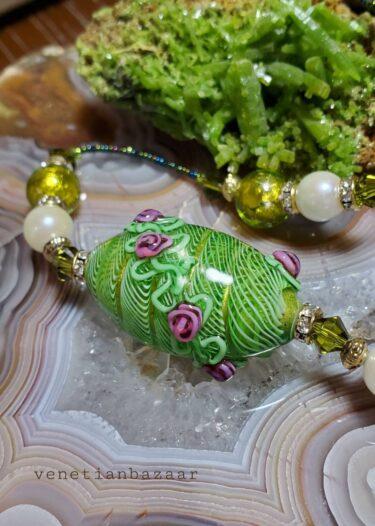 ベネチアンガラスと石達の魅惑のギャラリー